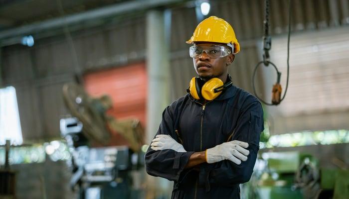 تقرير الوظائف الأمريكية غير الزراعية الأخير يصدم الأسواق والذهب يستغل الفرصة