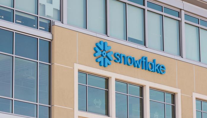 توقعات مبيعات شركة Snowflake في دائرة الضوء